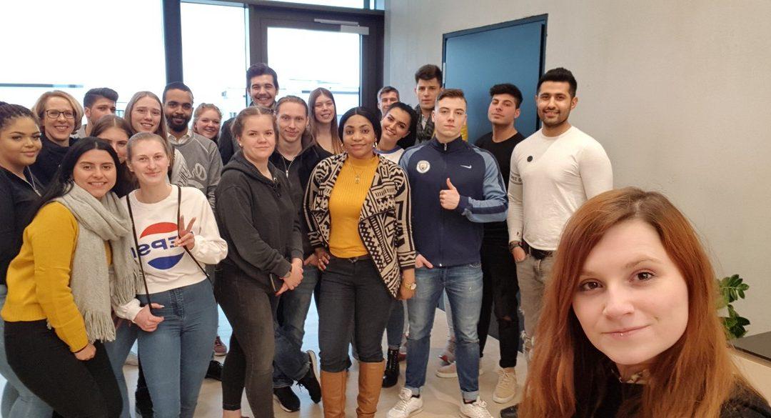 Schüler*innen des Hotel- und Gaststättengewerbes besuchen das Radisson Blu Hotel, Mannheim